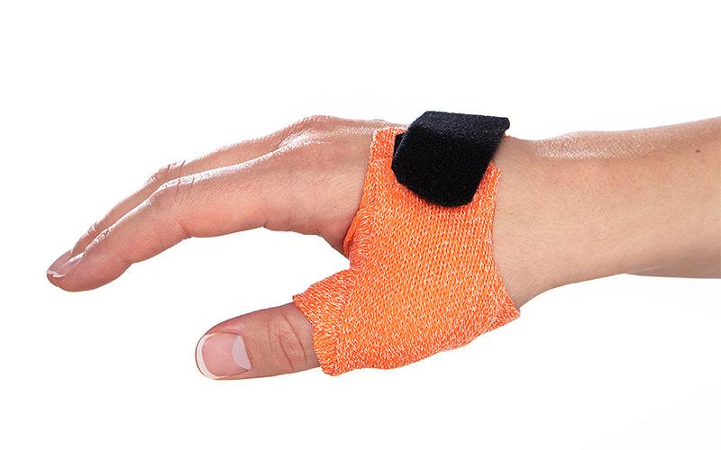 Thumb splint for sports injuries to the thumb