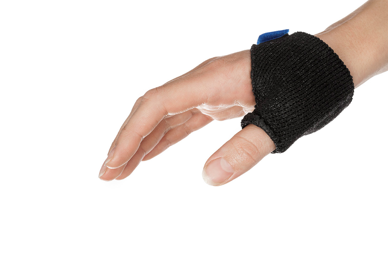 Hand with a thumb immobilization orthosis for arthritis in Orficast More Black